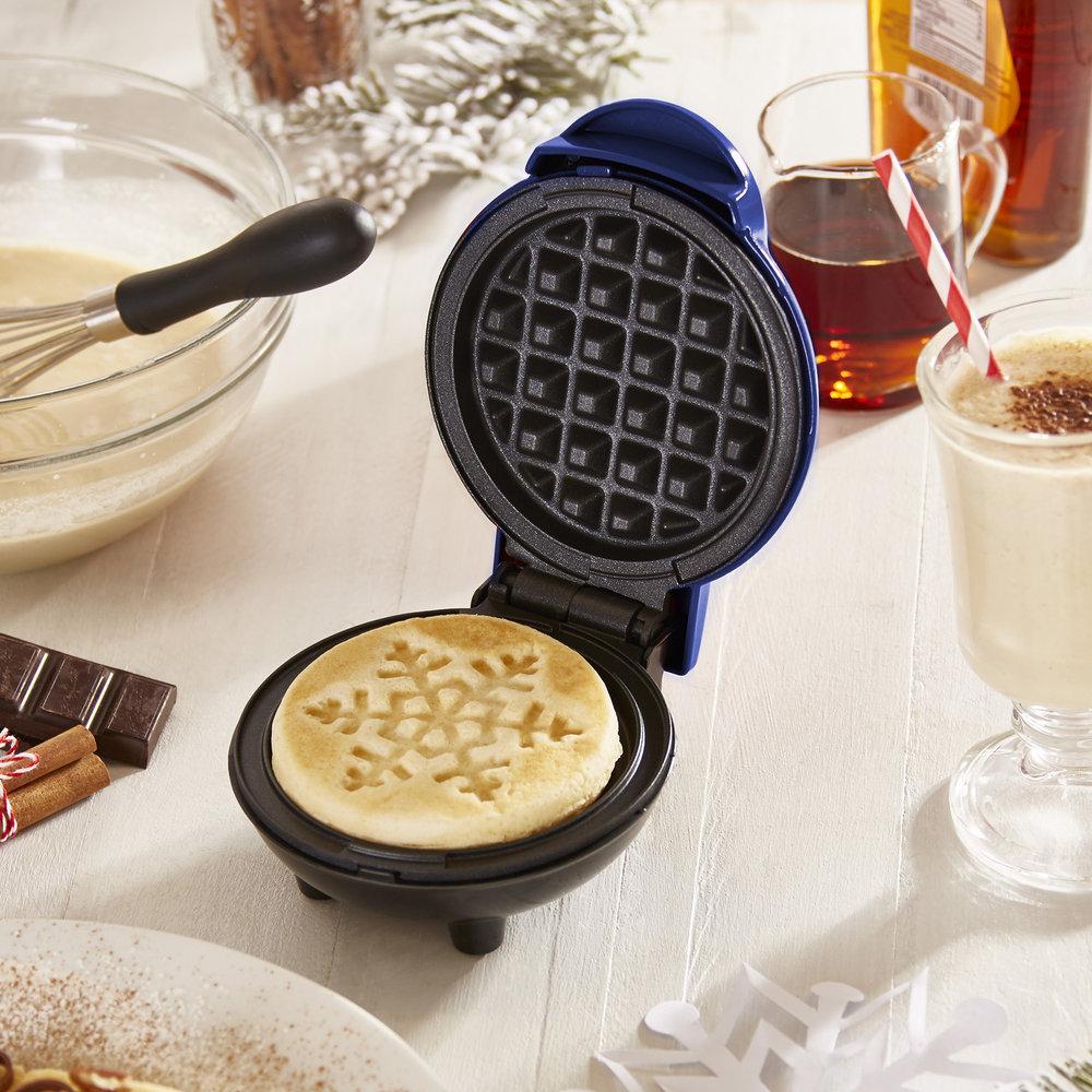 Dash Mini Snowflake Waffle Maker - Let it snow waffles! Make adorable snowflake waffles and let your Instagram post speak for itself.Get it here.
