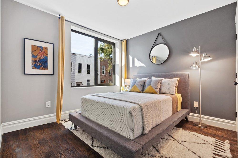 1255 Bedroom.jpg
