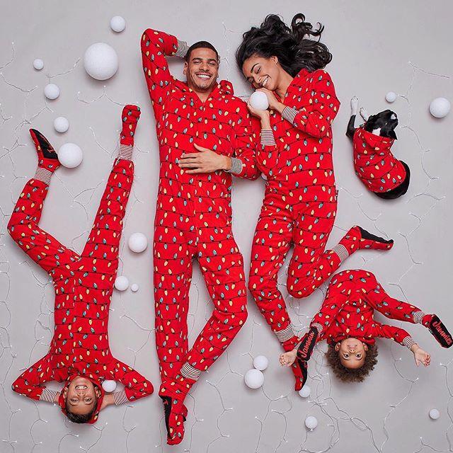 ▶ JAMMIN' JAMMIES @shopjamminjammies  Art director / set designer @marievrodrigcom Photographer @davidcurleigh  MakeupHair @martinemakeuphair  Stylist @lilyasther_bloom  Models @dorkiestsidekick (@montagemodels), @milliondollarmik3 (@foliomontreal), Lucas & Nathan (agencegirafe) #fashion #pyjamas #pajamas #family #kids #mom #dad #sister #brother #toddler #baby #merry #christmas #joyeux #noel #dog #campaign #art #artdirection #setdesigner #ecommerce