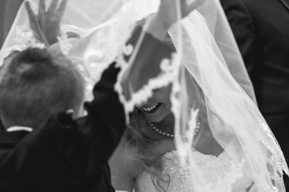 st-louis-photographer-winter-wedding-131.jpg