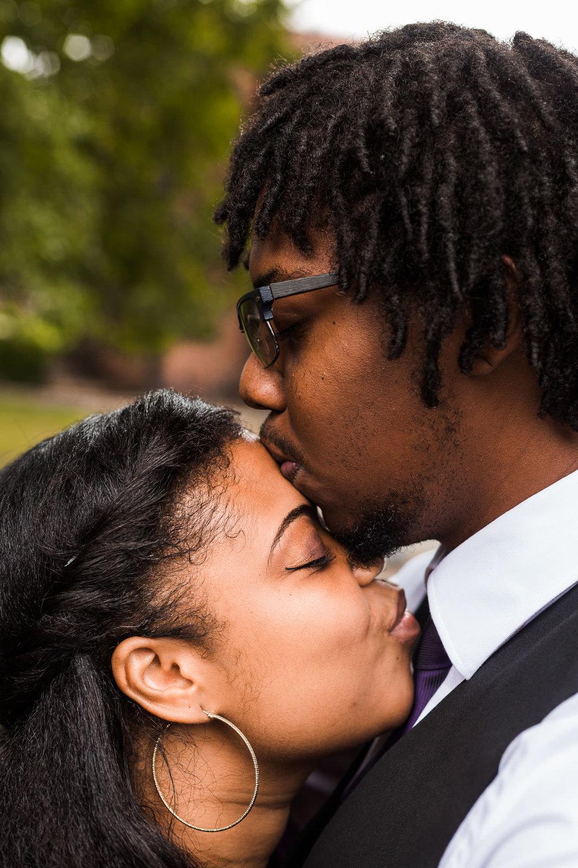 st-louis-wedding-photographer-nelson-atkins-engagement-6.jpg