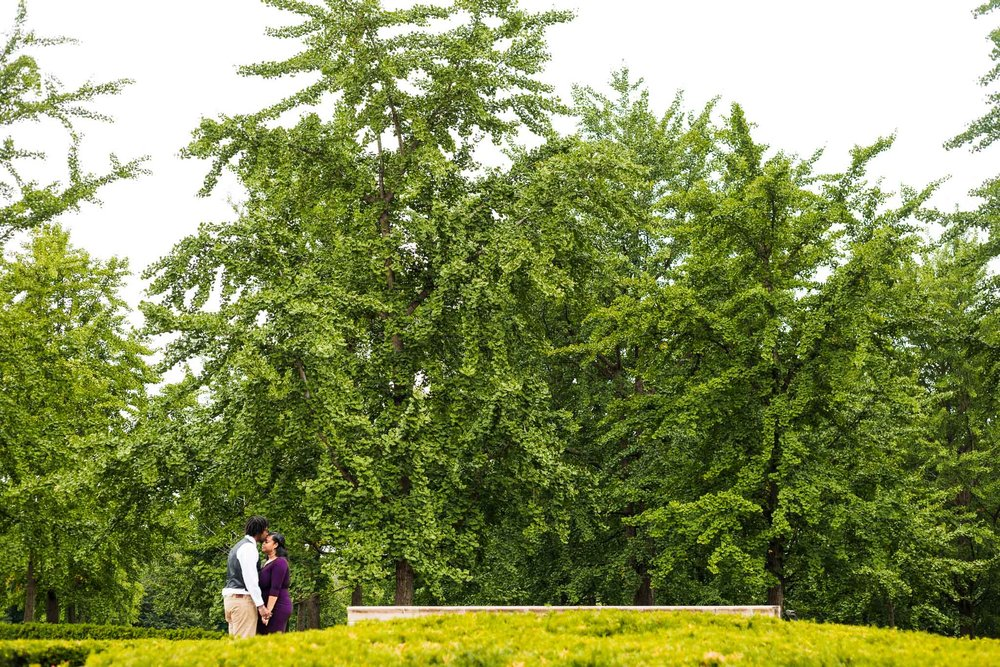 st-louis-wedding-photographer-nelson-atkins-engagement-24.jpg