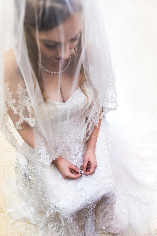 st-louis-photographer-winter-wedding-110.jpg