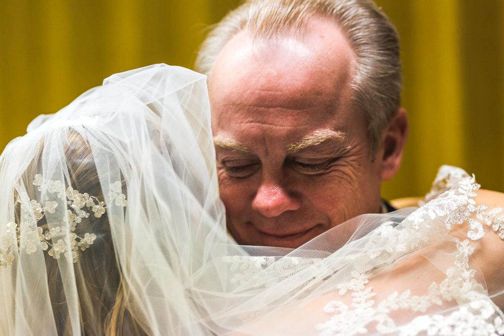 st-louis-photographer-winter-wedding-86.jpg