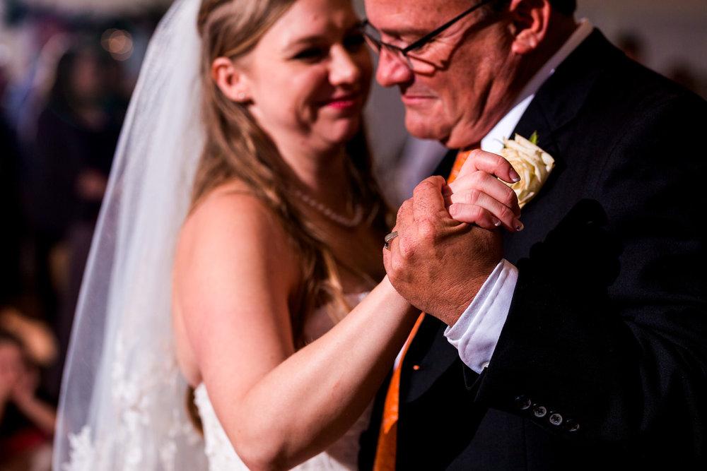 st-louis-photographer-winter-wedding-849.jpg