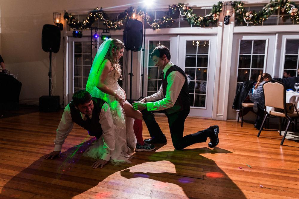 st-louis-photographer-winter-wedding-918.jpg
