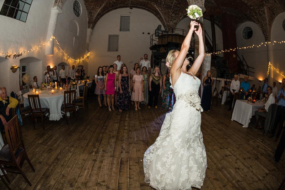 hochzeit-hochzeitsfotograf-straubing-wedding48.jpg