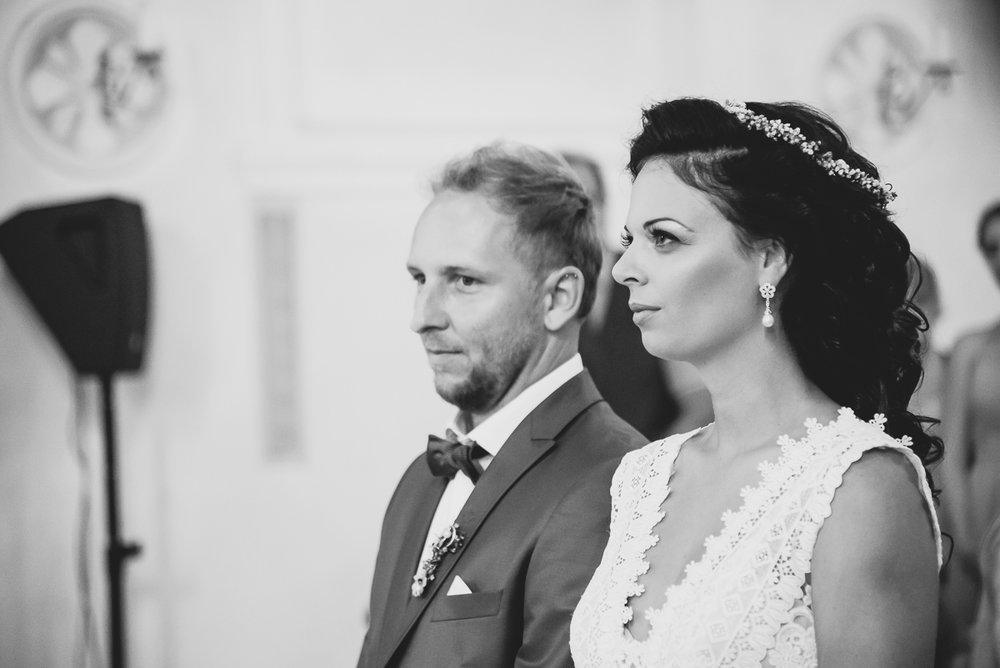 hochzeit-hochzeitsfotograf-straubing-wedding00017.jpg