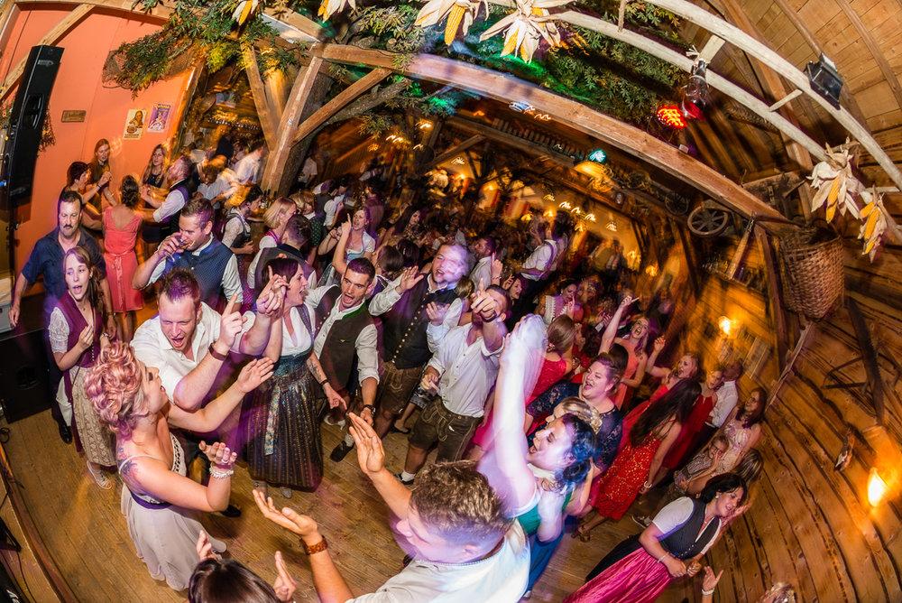 hochzeit-hochzeitsfotograf-straubing-wedding00029.jpg