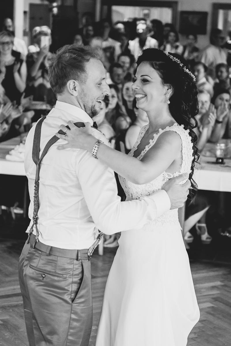hochzeit-hochzeitsfotograf-straubing-wedding00026.jpg