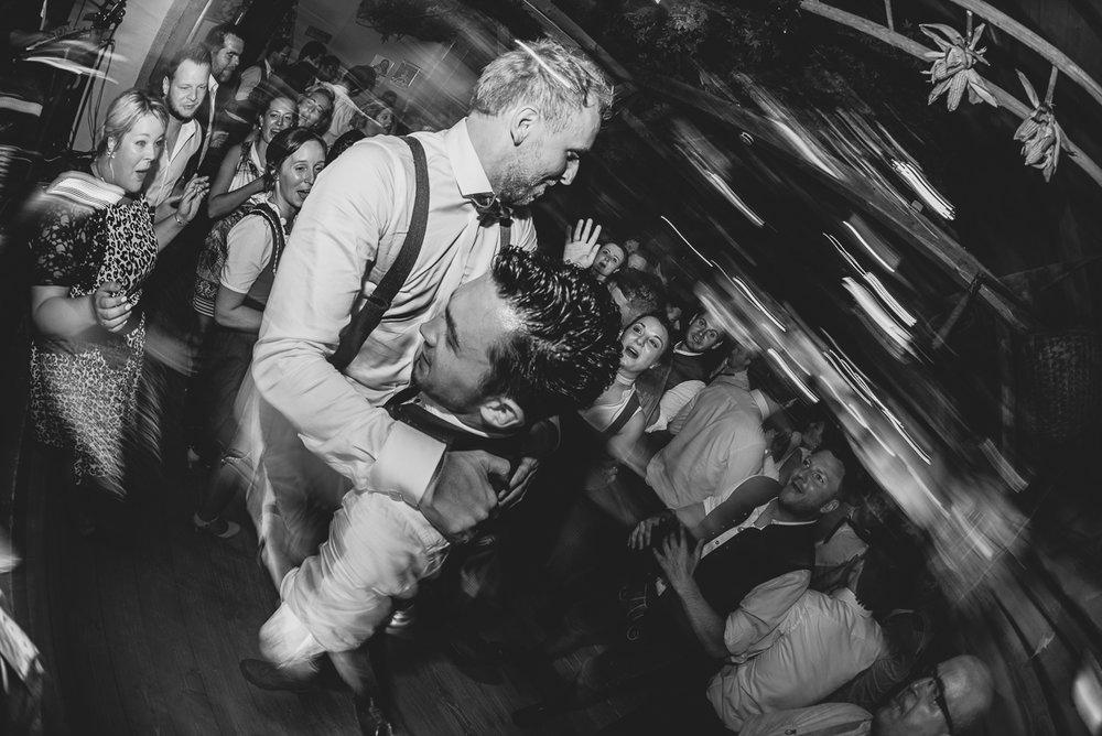 hochzeit-hochzeitsfotograf-straubing-wedding00032.jpg