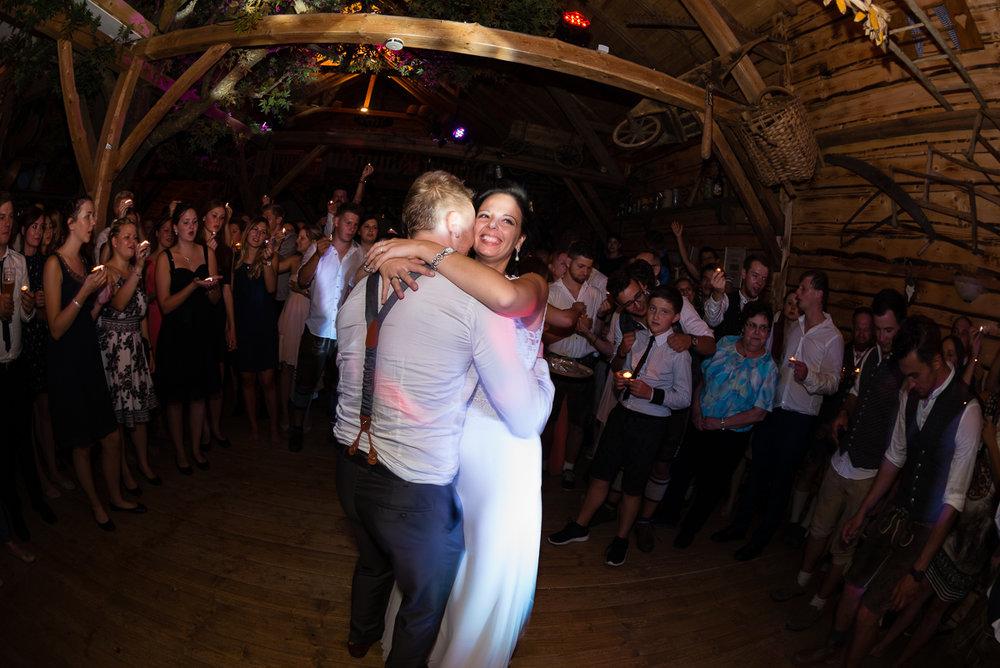 hochzeit-hochzeitsfotograf-straubing-wedding00036.jpg