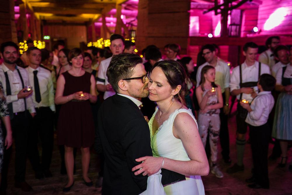 hochzeit-hochzeitsfotograf-straubing-wedding63.jpg