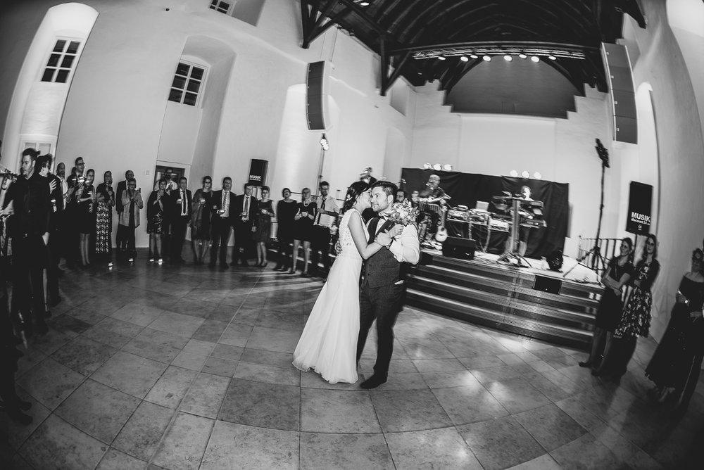 hochzeit-hochzeitsfotograf-straubing-wedding42.jpg