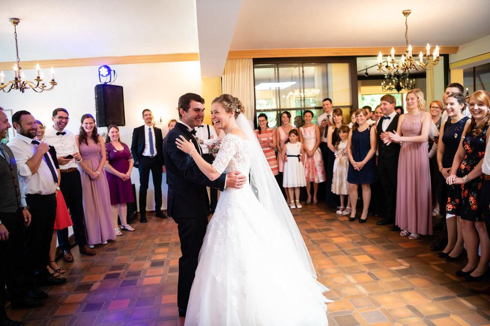Hochzeitsfotograf-Straubing-edle Hochzeitsfotografie00024.jpg