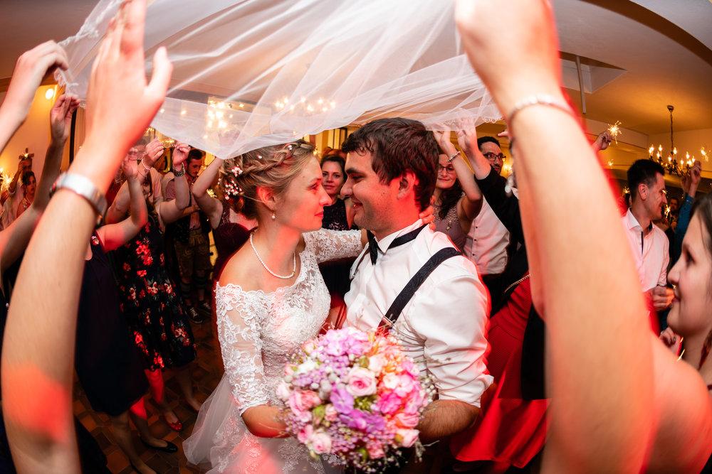 Hochzeitsfotograf-Straubing-edle Hochzeitsfotografie00034.jpg