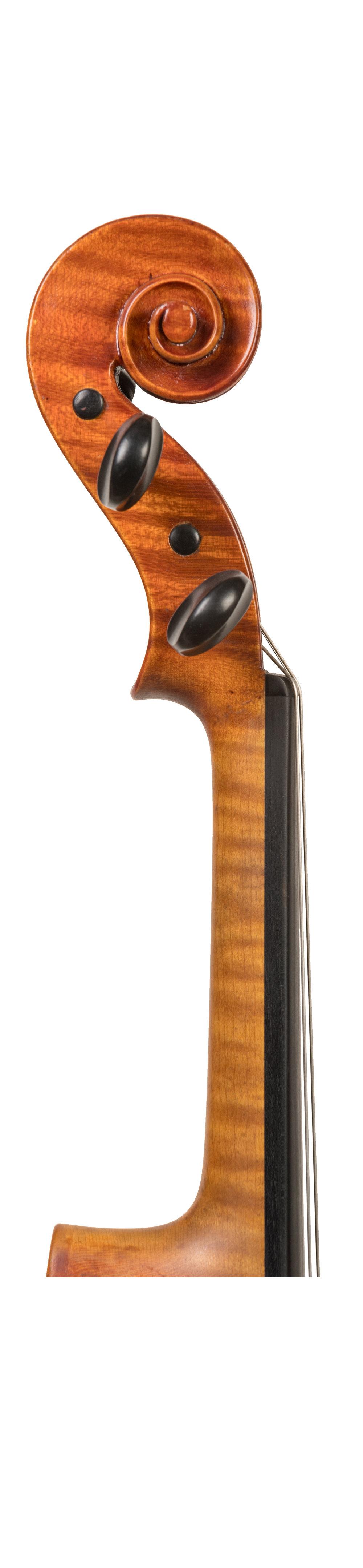 Gunther Reuter neck.jpg