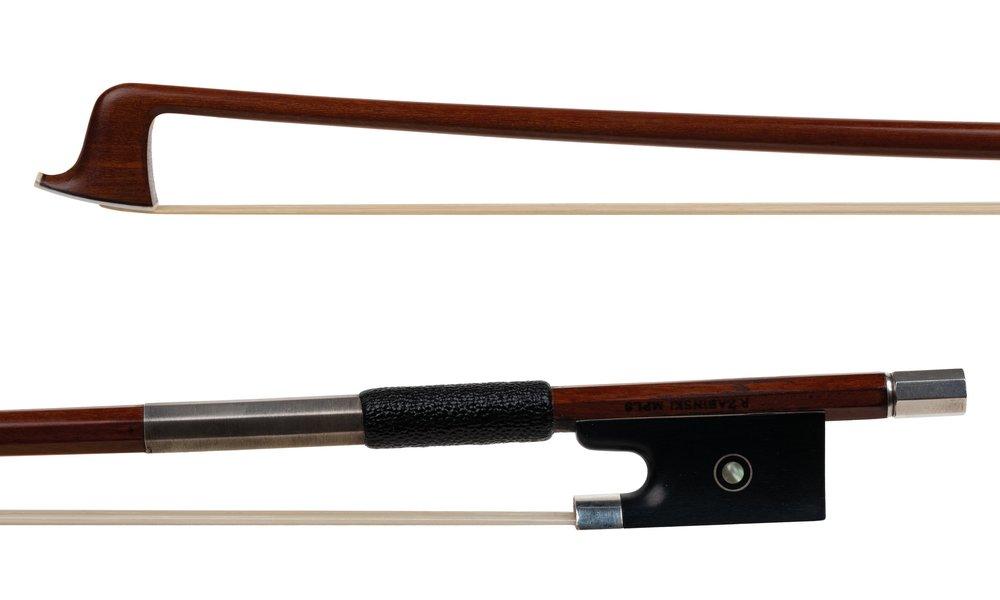 Roger Zabinski 3752 vn bow.jpg