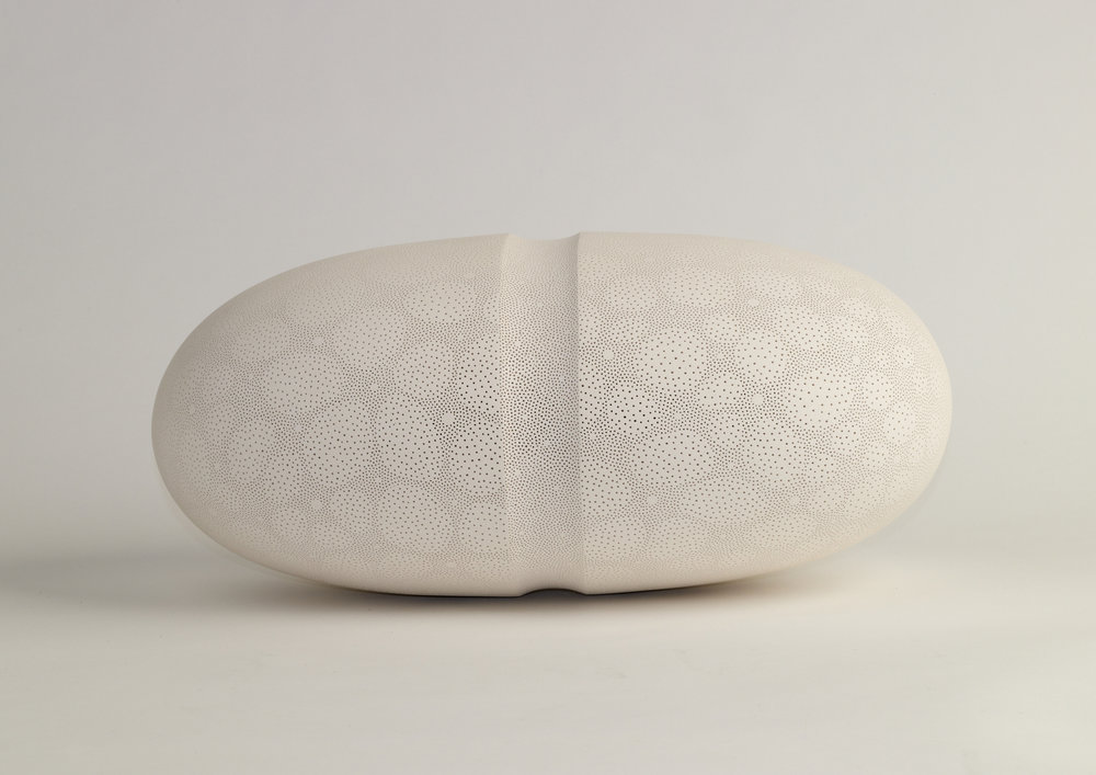 Frances Lambe, Indented Oval, Stoneware. Photography by Morgan Studios