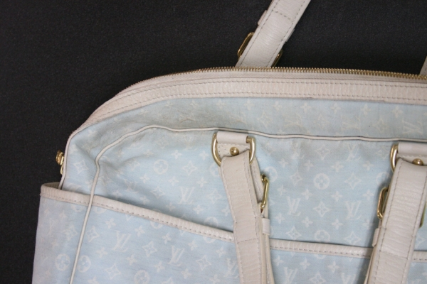 These are the areas most commonly soiled on purses.
