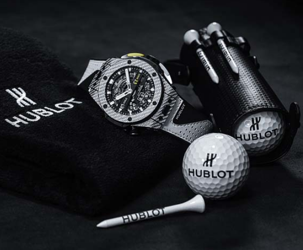 In a similar golf advertisement, Hublot's design is obviously more design-focused, with carbon fiber bezels, and mixed composition strap.