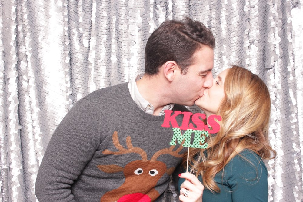 chroma photobooth - holiday party