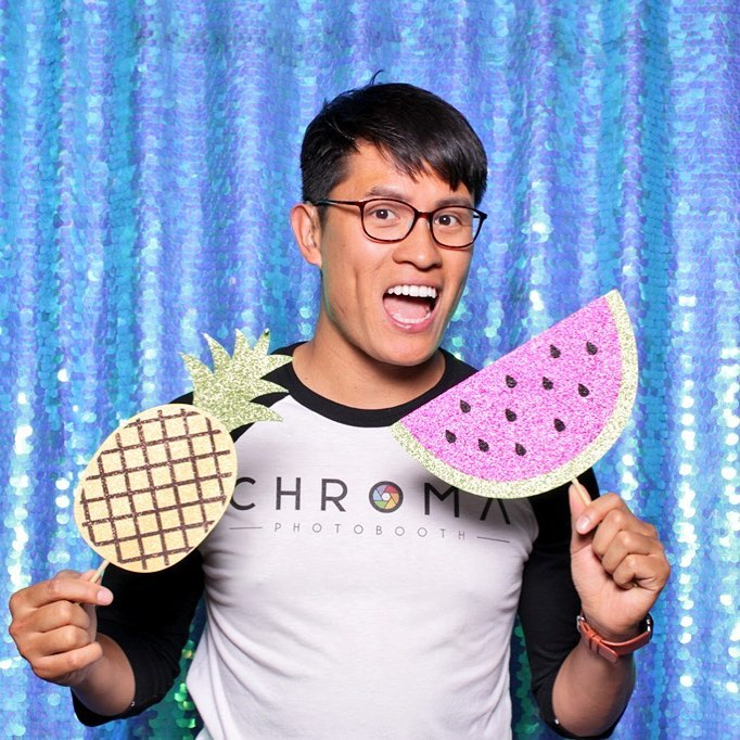 chroma photobooth aqua large sequins