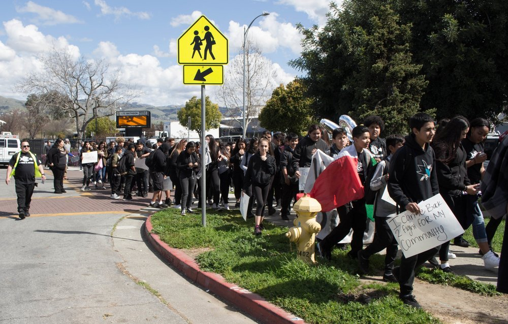 East San Jose Students Walk Out in Protest - by Kiet DoCBS NewsMarch 8, 2018