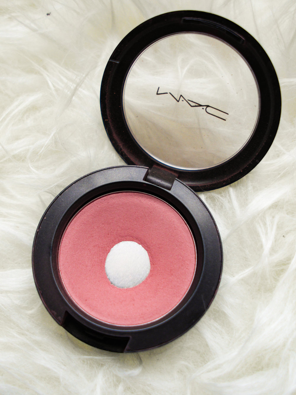 MAC Cosmetics blush in Blushbaby