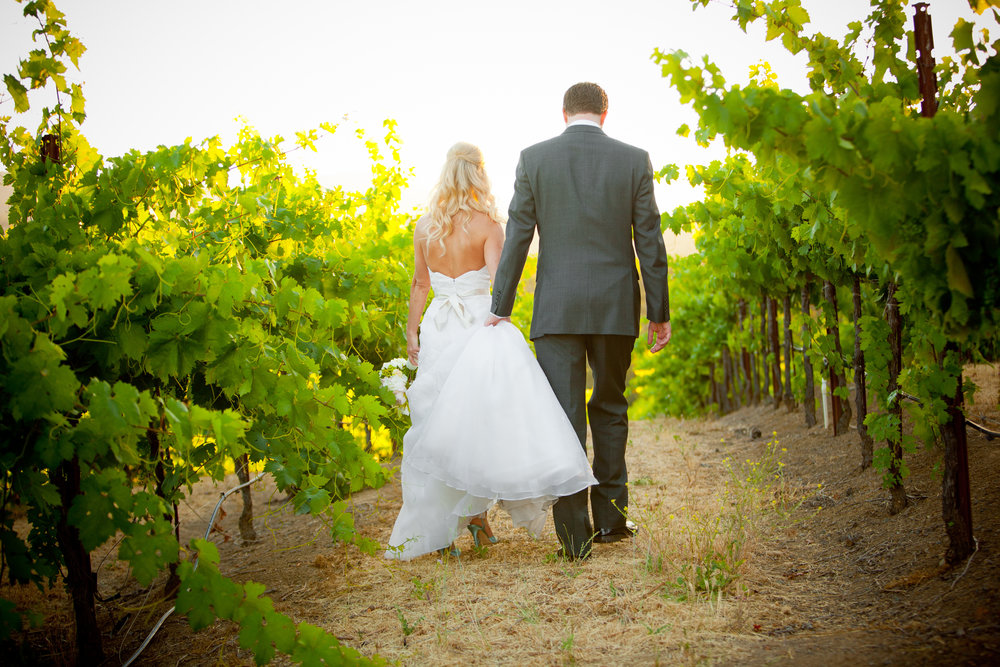 Simply Gorgeous Vineyard Wedding in California -