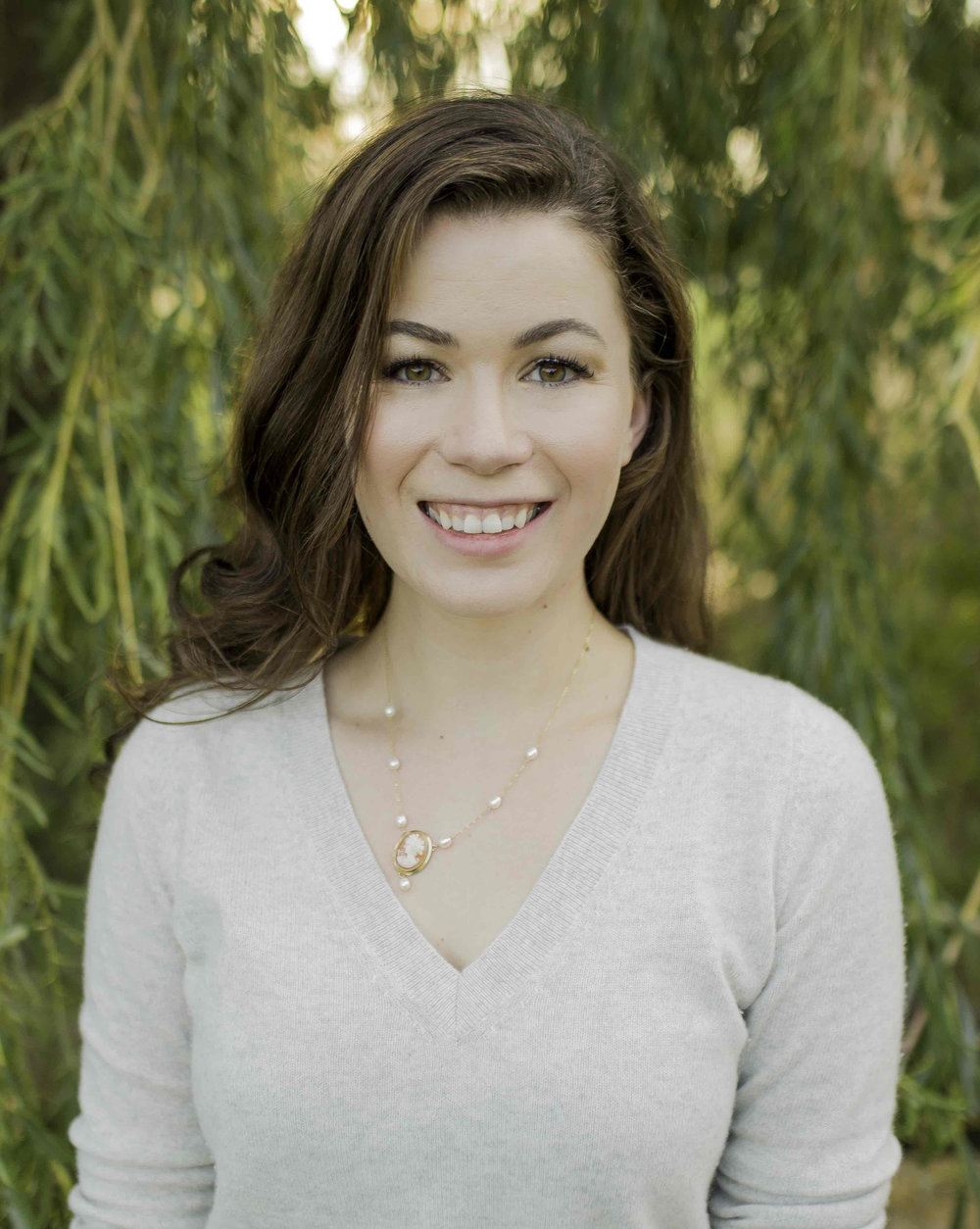 - Meet Rachael Wright. She's a writer, mother, and tea-obsessed devotee who believes in the power of the written word and the healing that can come from reading a good book.