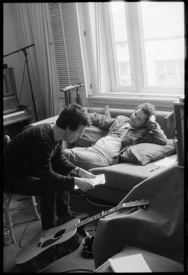 JOHNNY-MARR-amp-JEFF-TWEEDY-WRITING-TOGETHERSmall.jpg