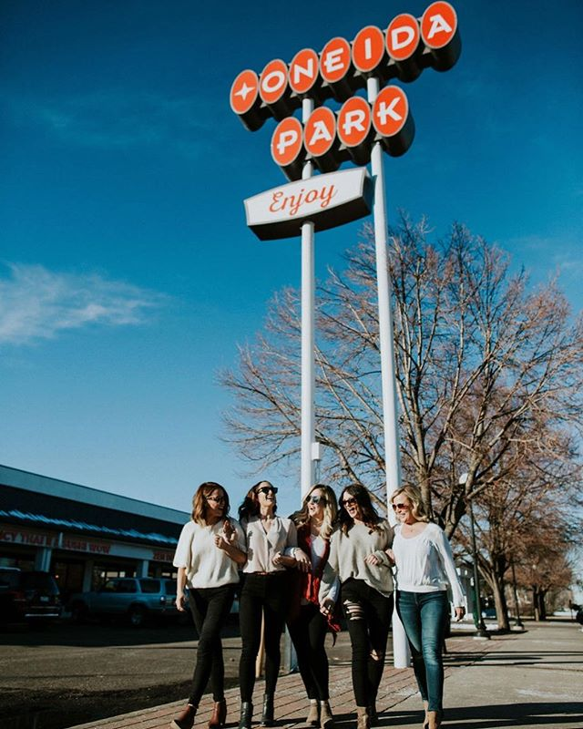 We ❤️ @oneida_park_denver.  So many fun and exciting things to come for the @beautybeesalon girls 👑 🐝 📸: @babydoetabor @_withlovephoto_