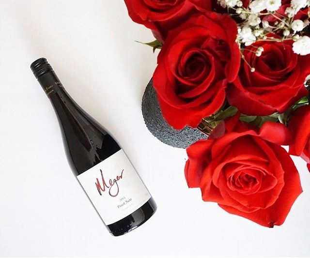 The perfect pairing just in time for V-Day a'la @kascadiawinemerchants #sfwinesociety