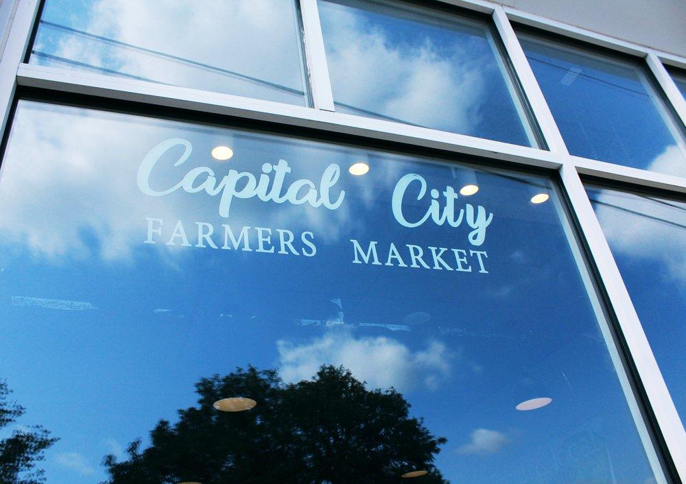 capital-city-farmers-market-jefferson-city-mo-jeff-city-blog-year-round-market-lunch-spot-fresh-local-food-artisans-indoor-market