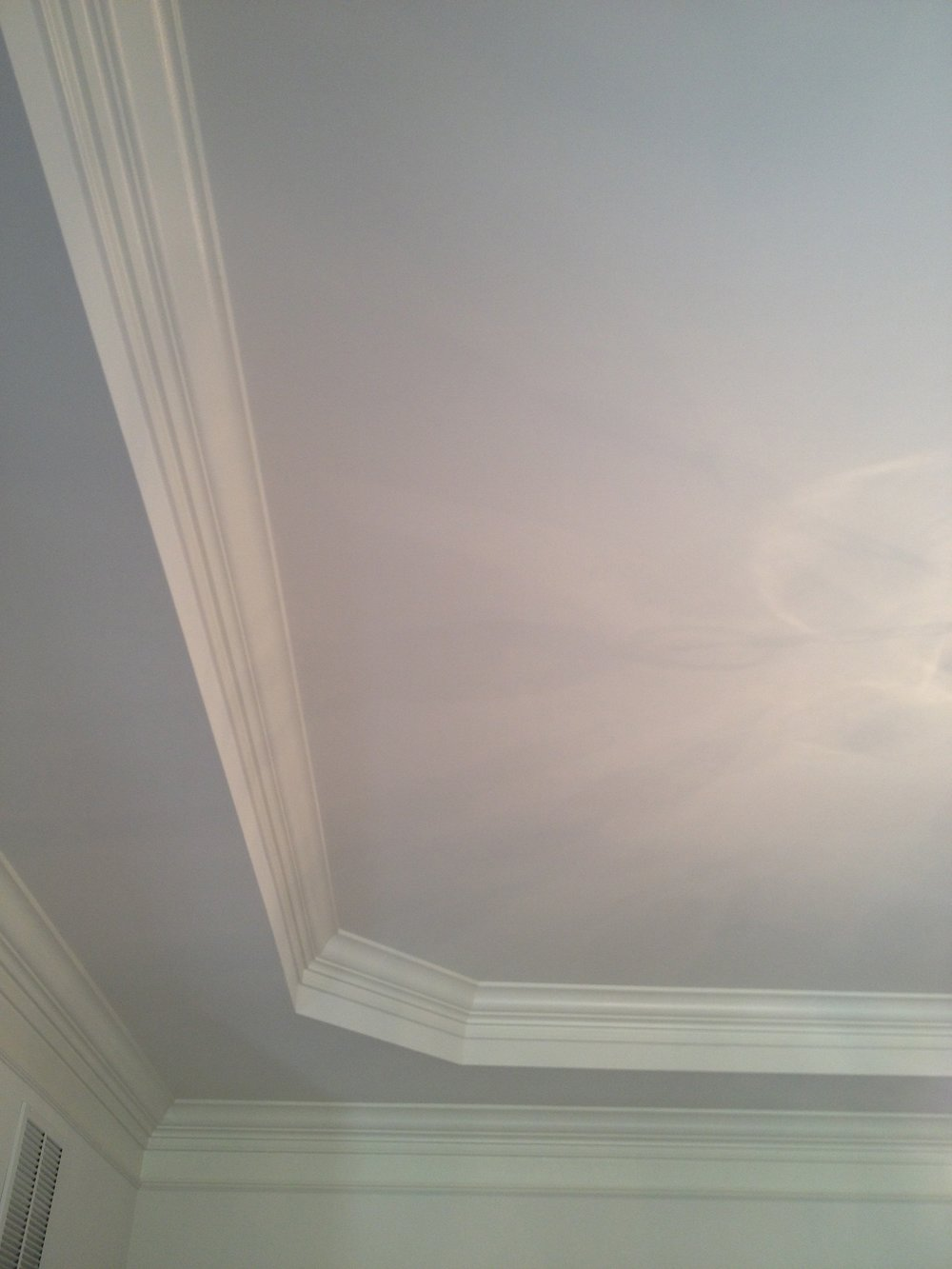 {BEFORE. White dining room ceiling (and walls).}