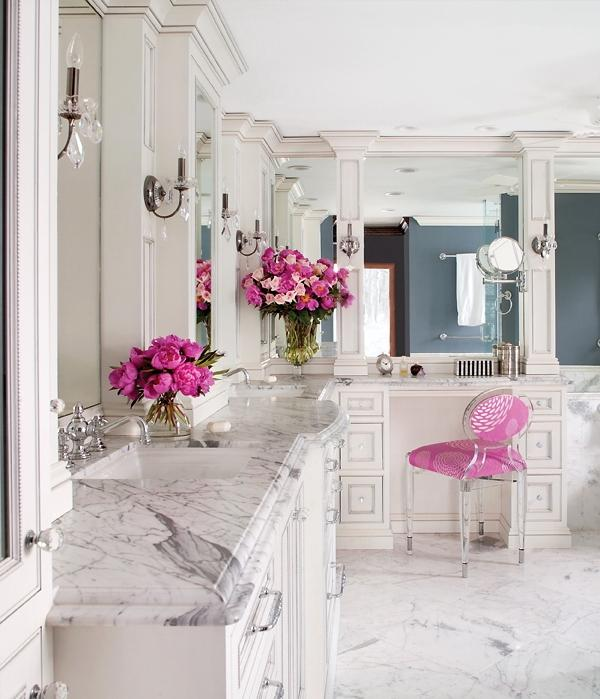 {Talk about sophisticated! Sometimes a pop of pink is all you need in a room! From  Homeblogdesign.com }