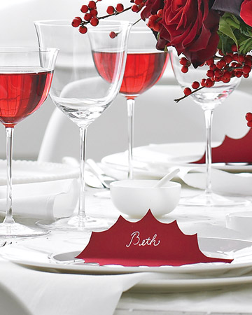 {Easy place card idea — use any shape or color to make it work for your table design & holiday.}