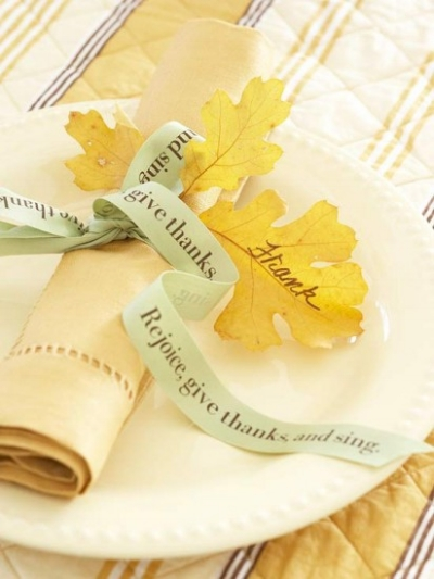 {Leaf place card.}