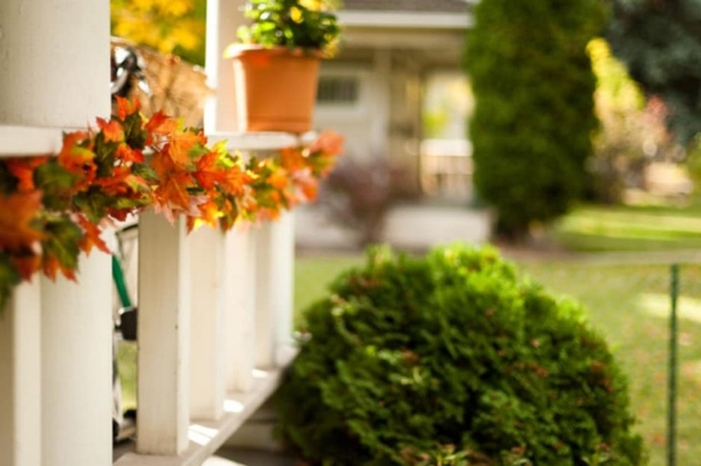 {The leaves are changing, temperatures are dropping and you've got a front porch to redecorate for fall. The  following tips  identify a wealth of festive elements that can give your porch a touch of autumn elegance!}