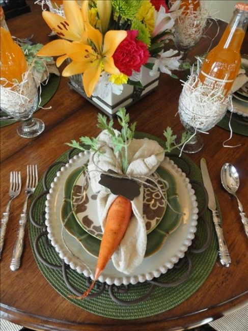{This understated table is brought to life with a delightful and unexpected accent. From:  My Style Share .}