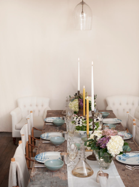 {Rustic elegance is served here! From:  Remodelista .}