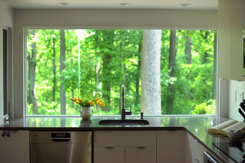 {Who wouldn't mind doing the dishes with this vast, picturesque view?}