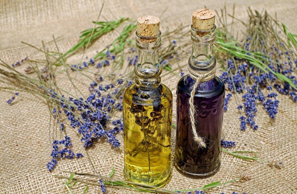 lavendar oil.jpg