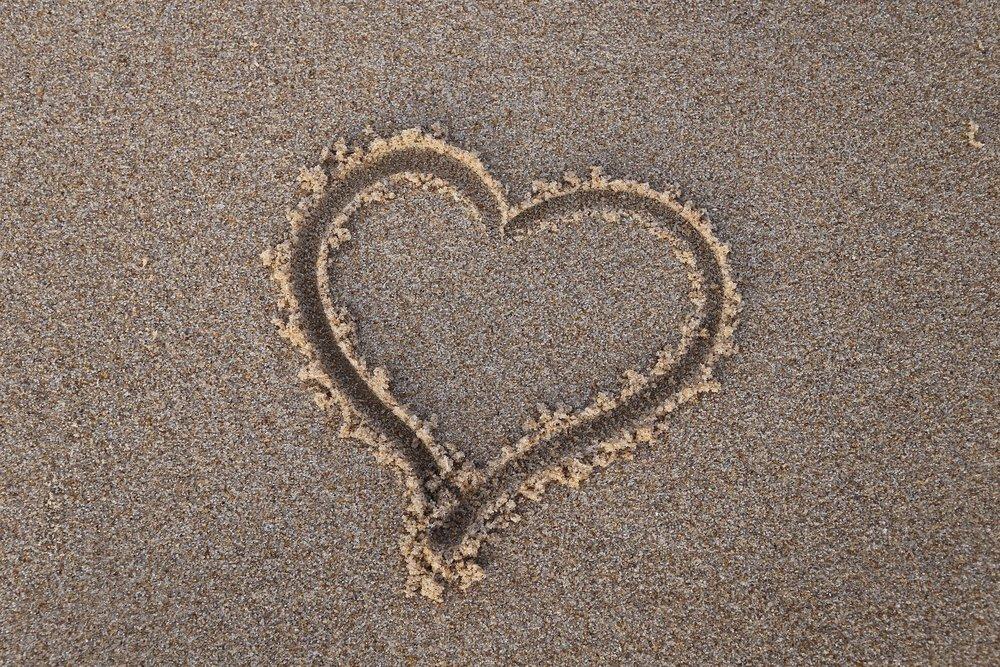 sandy heart.jpg
