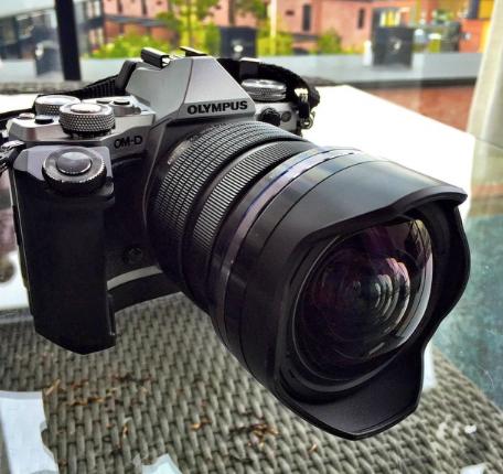 Kuvassa M.Zuiko 7-14mm f2.8 on kiinni OMD E-M5MKII:sessa.