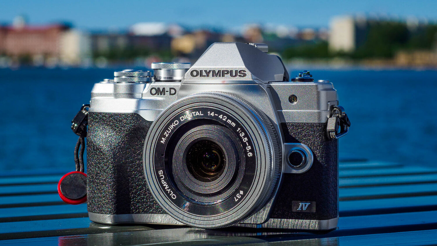Two new products from Olympus: E-M10 MKIV and 100-400mm zoom lens.