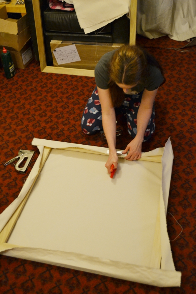 Making your own canvas, stretching artist canvas, how to stretch your own canvas, canvas stretching, artist canvas