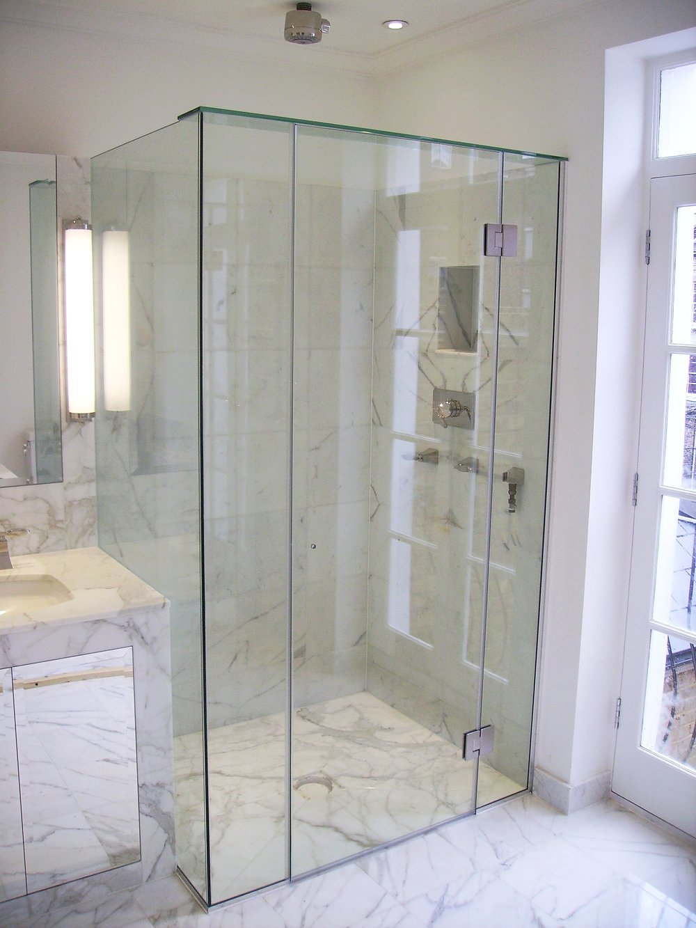 Shower Screens - SW5 - London - Brompton Glass 2.JPG