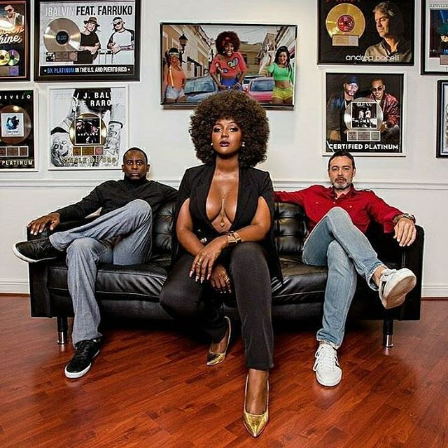 Super Duper congrats to my favorite Afro Latina Artist bring completely true to herself, her look and her personal brand. @amaralanegraaln is paving the way and just landed a Multi Album Multi Million Dollar Deal. She has been working her tail off. I KNOW @CELIACRUZ IS SMILING down at you. Representing for the chocolate girl. Afro STAYS and is elegant.